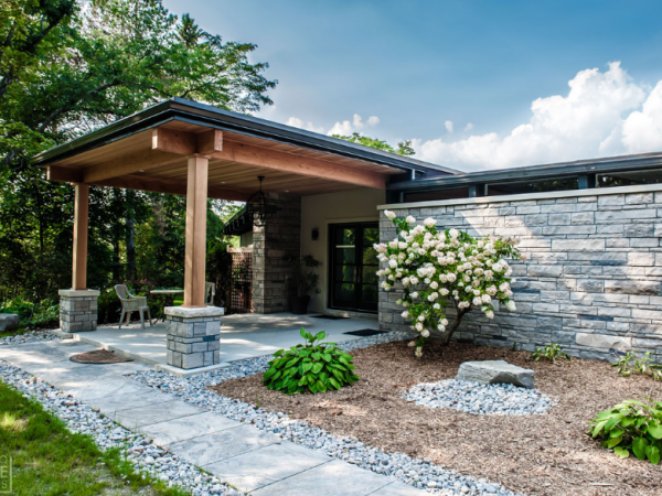 Using the Natural Stone Ontario for Landscaping